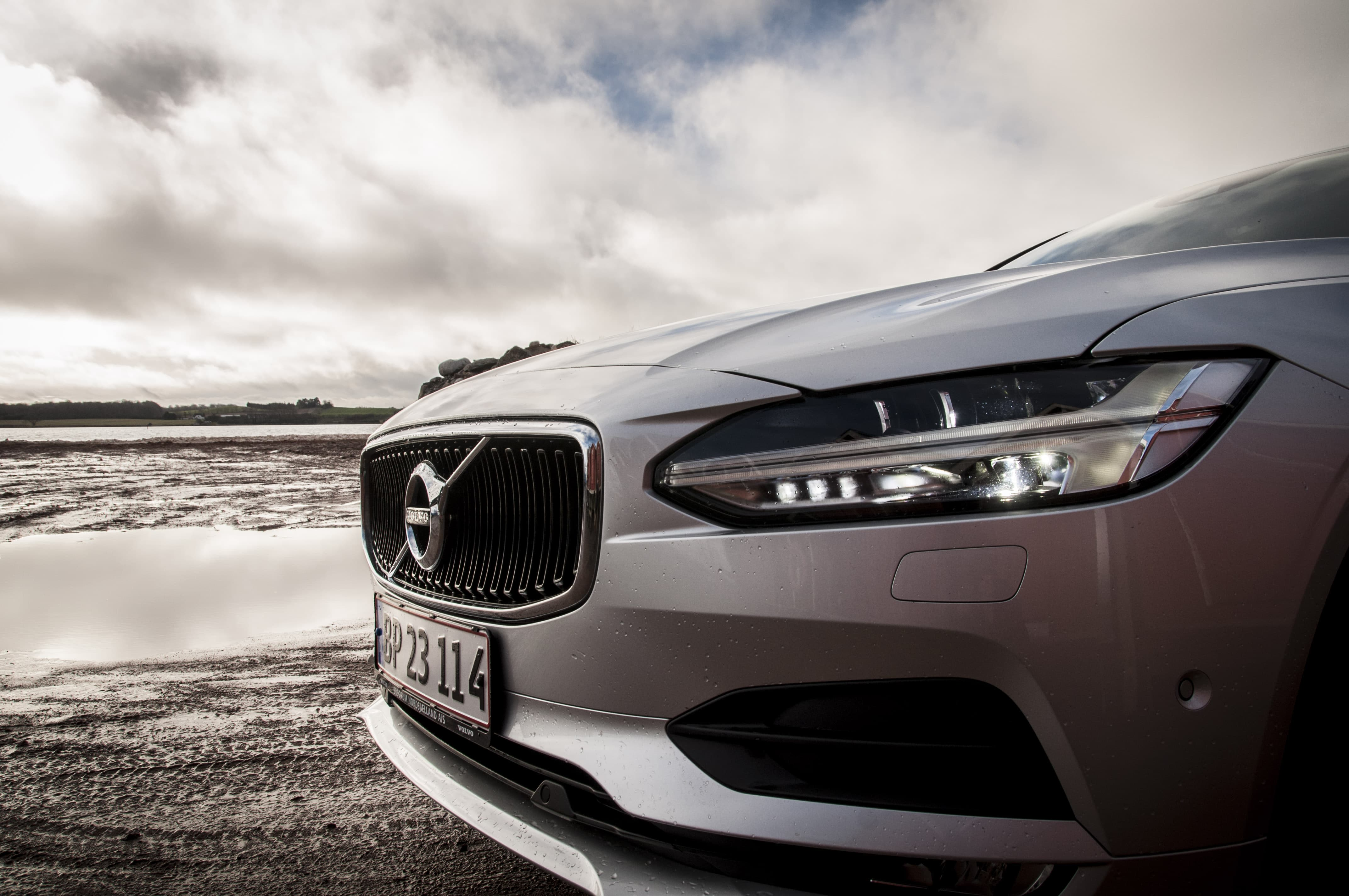 volvo-s90-front