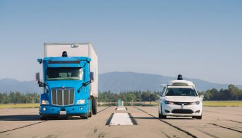 Waymo-truck_and_pacifica